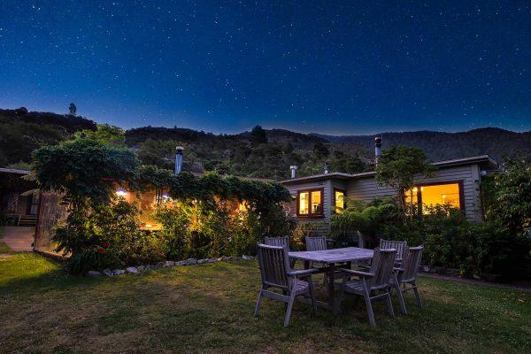 hopewell-lodge-night-sky